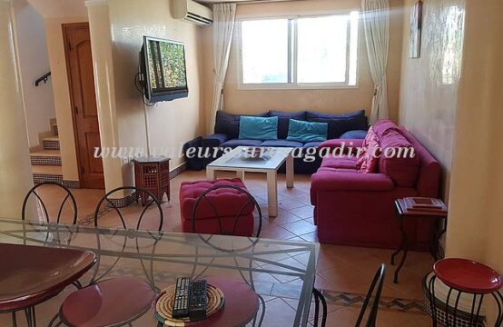 Villa meublée avec terrasse et garage